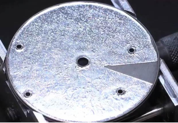 paillone-enamel-placing-of-foil